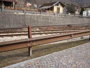 BARRIERA CON ATTACCO CORRIMANO CORTEN (2)